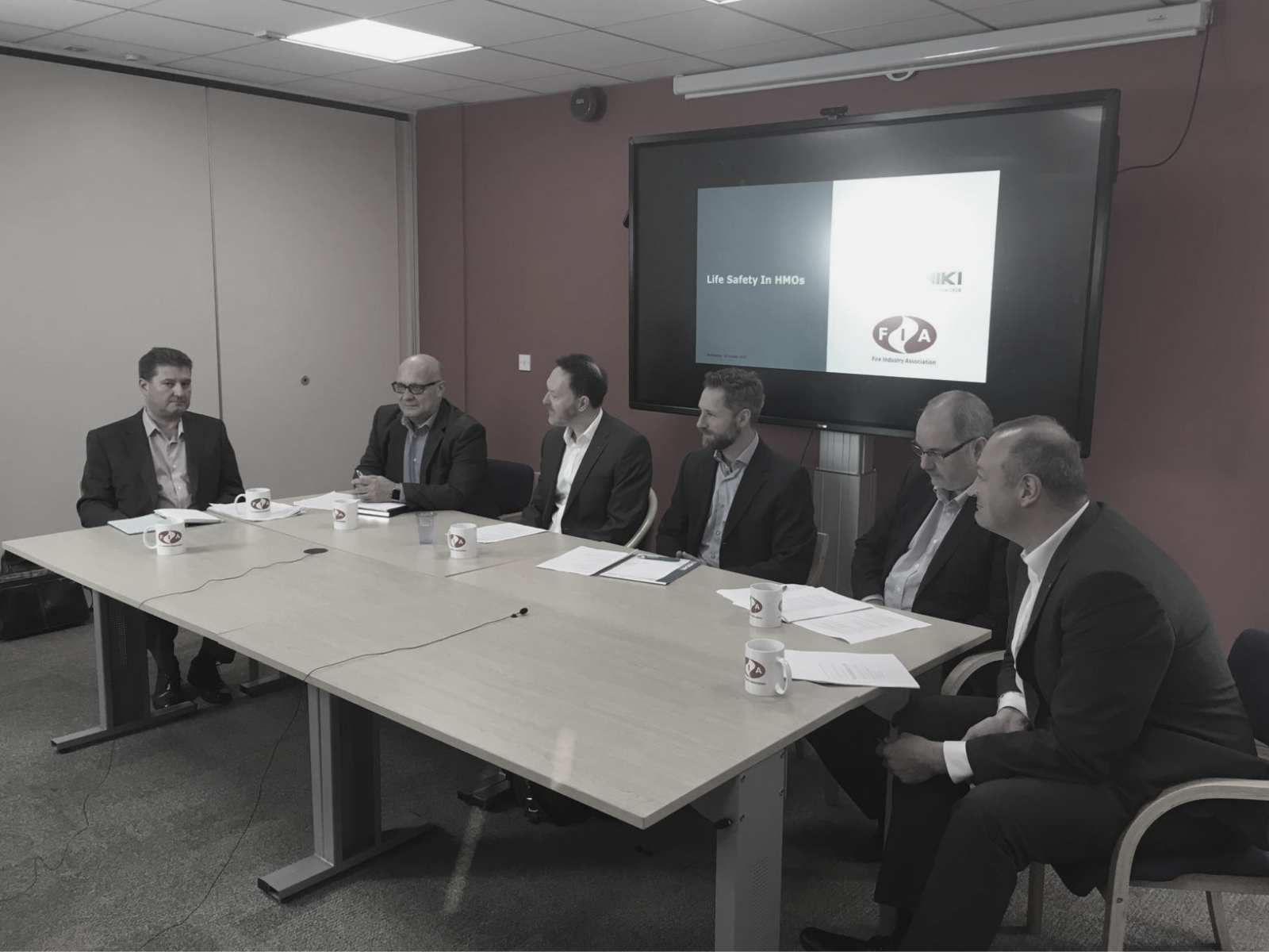 HOCHIKI EUROPE AND FIA HOST INDUSTRY ROUNDTABLE DISCUSSING LIFE SAFETY IN HMOs